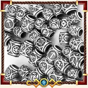 Шармы и бусины с рунами из серебра и золота
